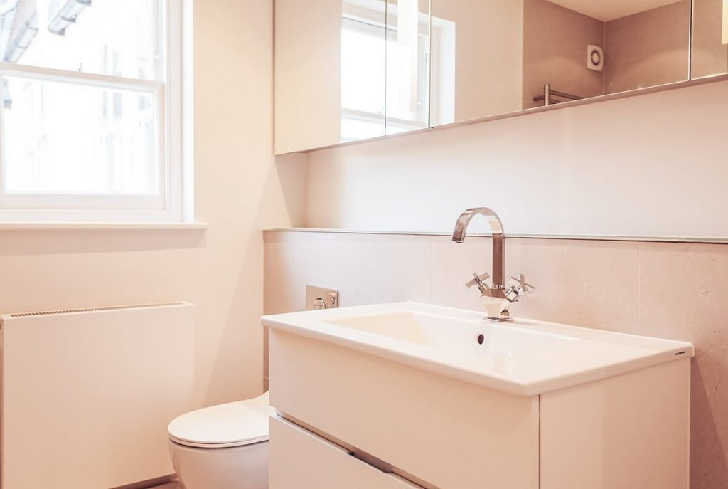 light, small bathroom, Wandsworth, London
