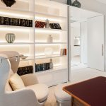 residental interior design for luxury living room in Chelsea with custom-made joinery, bespoke finishes