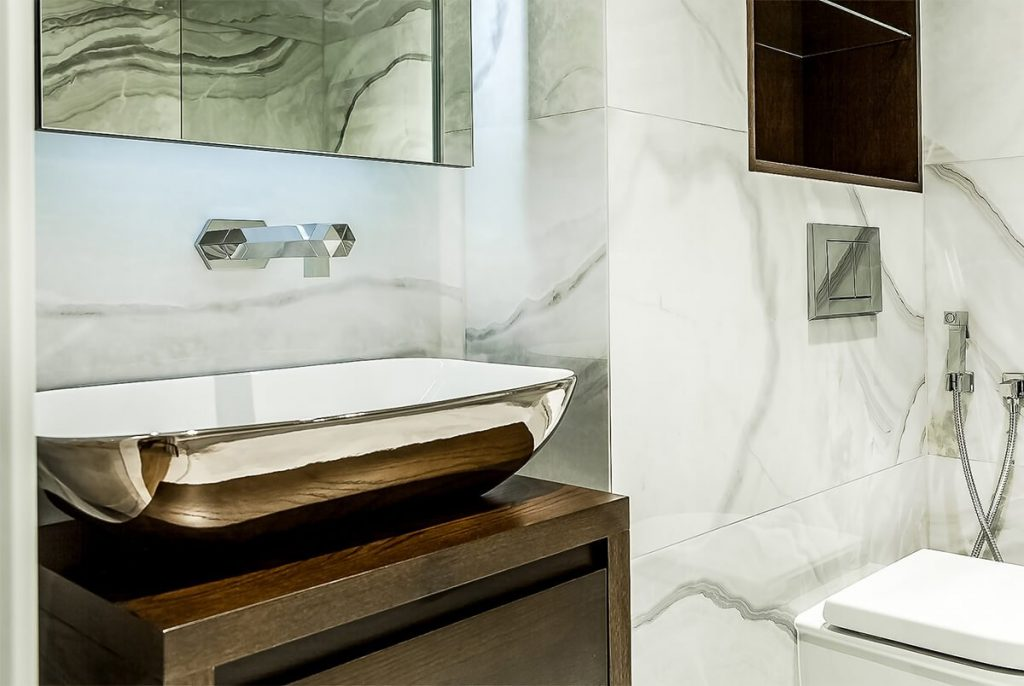 luxury and stylish marbel bathrom in Wapping, London