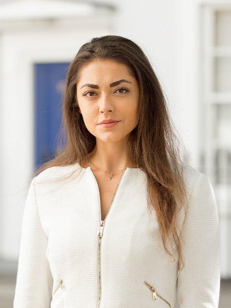 Maria Nazarova Property Consultant Portrait