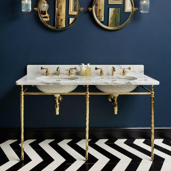 interior design for dark navy bathroom