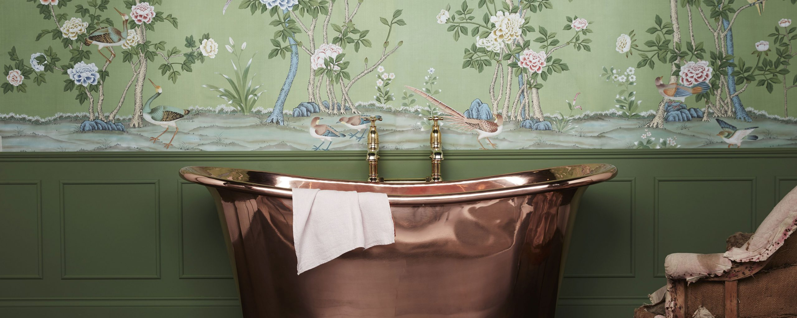 4 STRIKING WALLPAPER IDEAS FOR OUTSTANDING BATHROOM DESIGN