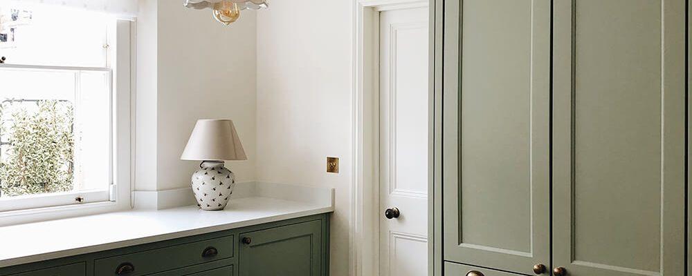 residential-interior-design-in-london-victorian-kitchen-in green colour