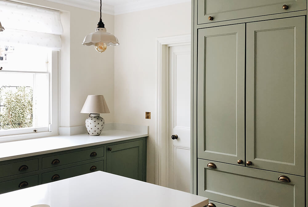 residential-interior-design-in-london-victorian-kitchen-in green colour