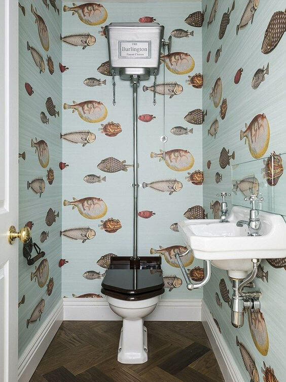 striking fish wallpapers in the bathroom