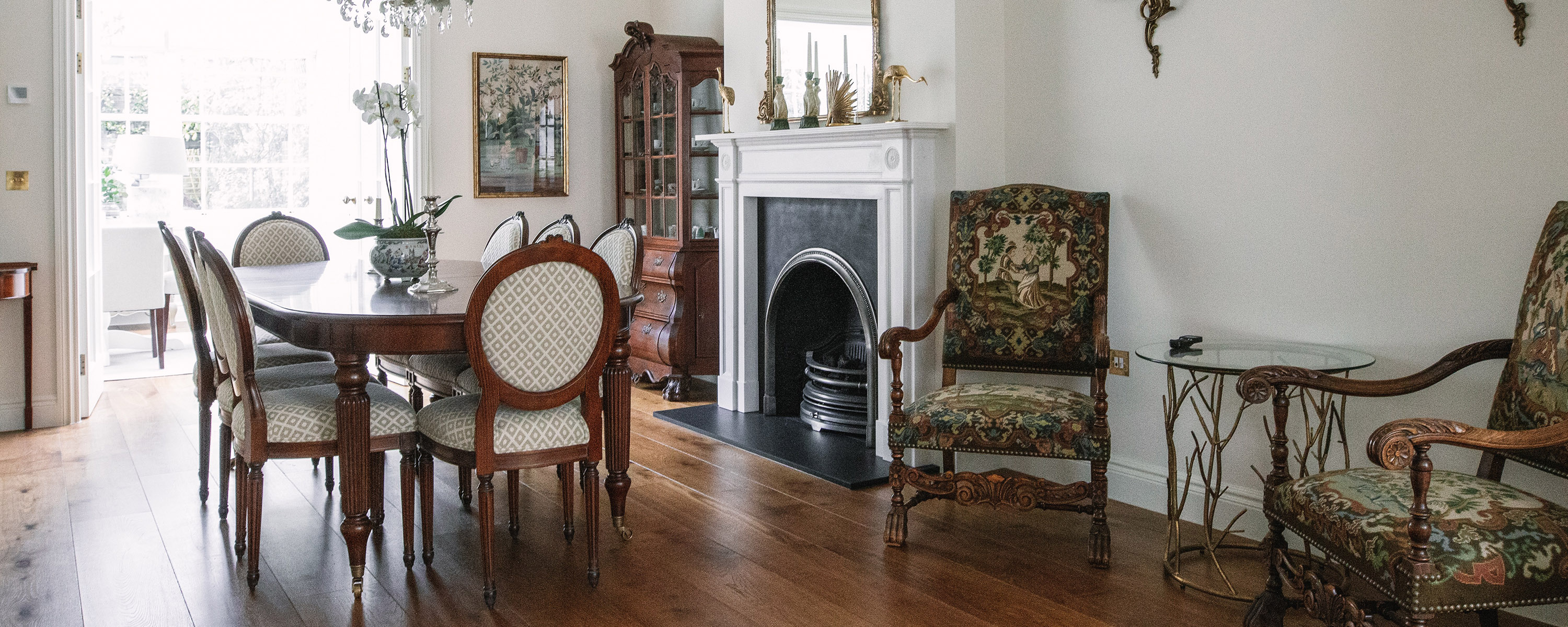 grand and spacious dining room with antique furniture in victorian style in ST Johns wood, LOndon