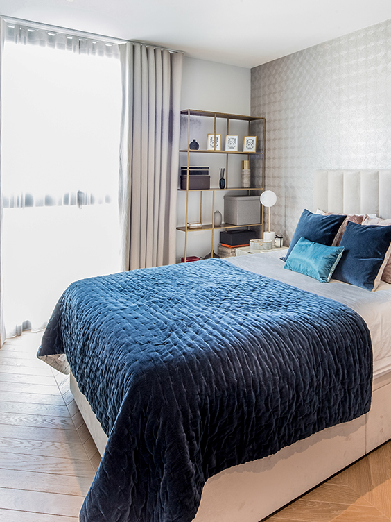 light and spacious interior design for a luxury bedroom with fancy accessories in westminster, London